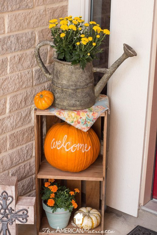 Ideas for Decorating a Small Front Porch for Fall - The American Patriette,  #American #decor...